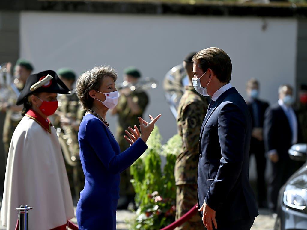 Bundespräsidentin Simonetta Sommaruga hat den österreichischen Bundeskanzler Sebastian Kurz auf dem Landgut Lohn bei Bern empfangen.