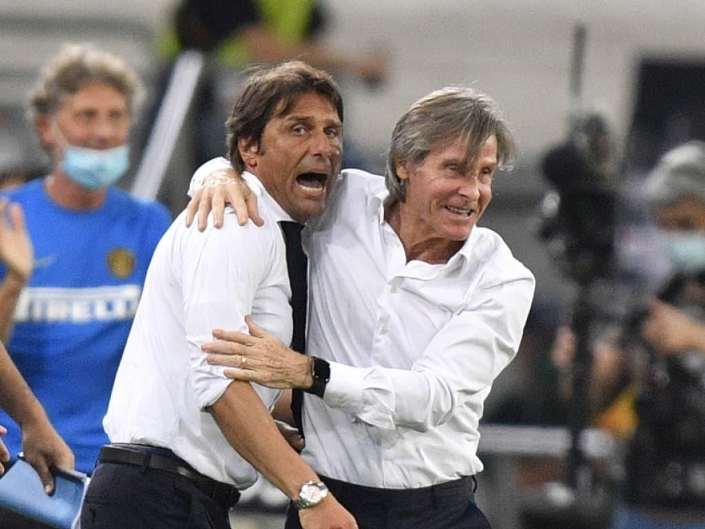 Antonio Conte (links) möchte mit Inter Mailand in der Serie A jubeln