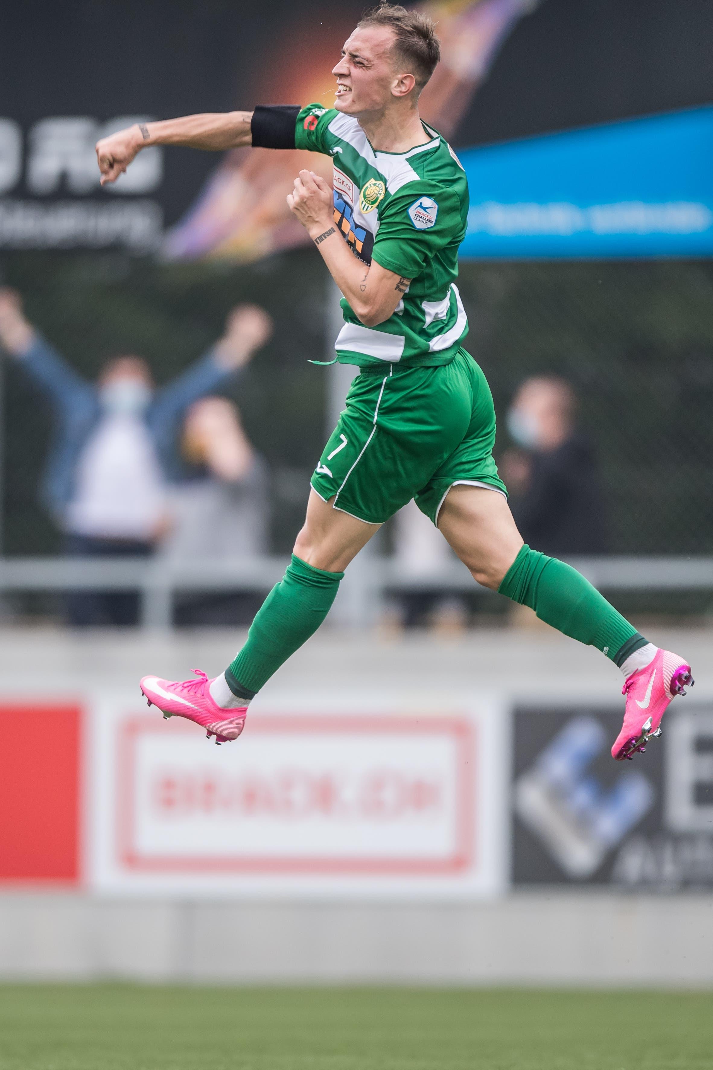 Der Krienser Liridon Mulaj bejubelt sein Tor zum 2:0.