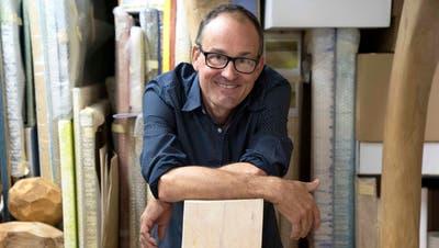Einblick in sein Bilderlager: Der Frauenfelder Galerist Stefan Rutishauser hat während des Lockdown 120 Kilogramm Kunst entsorgt