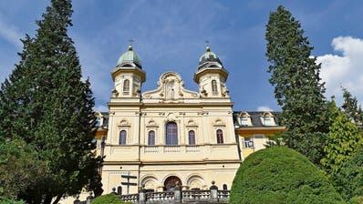 Die Schülerzahlen der Kantonsschule Kollegium Schwyz dürften mit dem Entscheid stark steigen. (Bild: Laura Inderbitzin/Bote der Urschweiz)