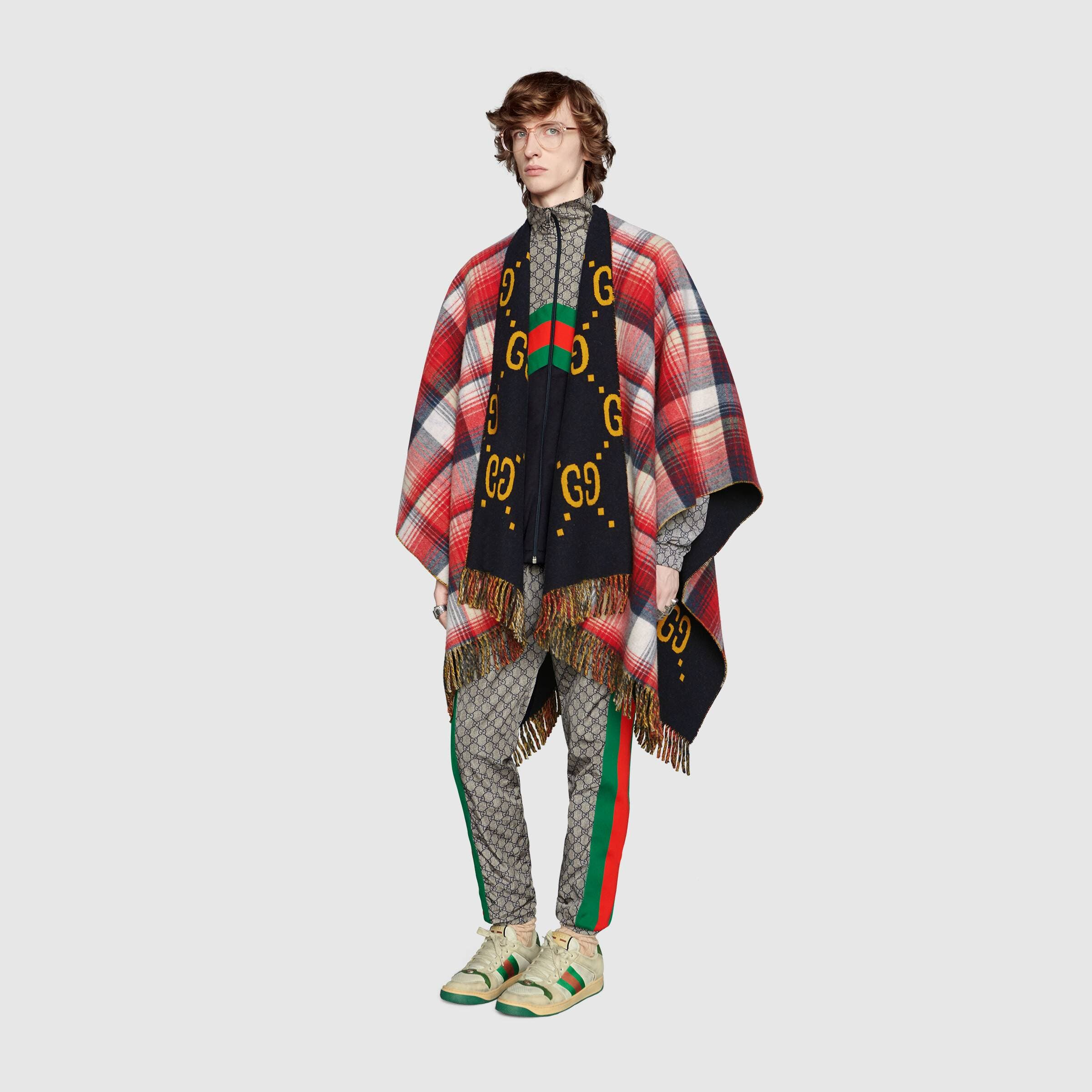 Exentrisches Wolldecken-Outift auch für ihn von Gucci