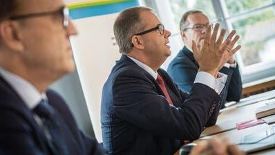 Der Staatshaushalt rutscht in die roten Zahlen (von links): Urs Meierhans, Regierungsrat Urs Martin, Regierungsrat Walter Schönholzer. (Bild: Reto Martin)