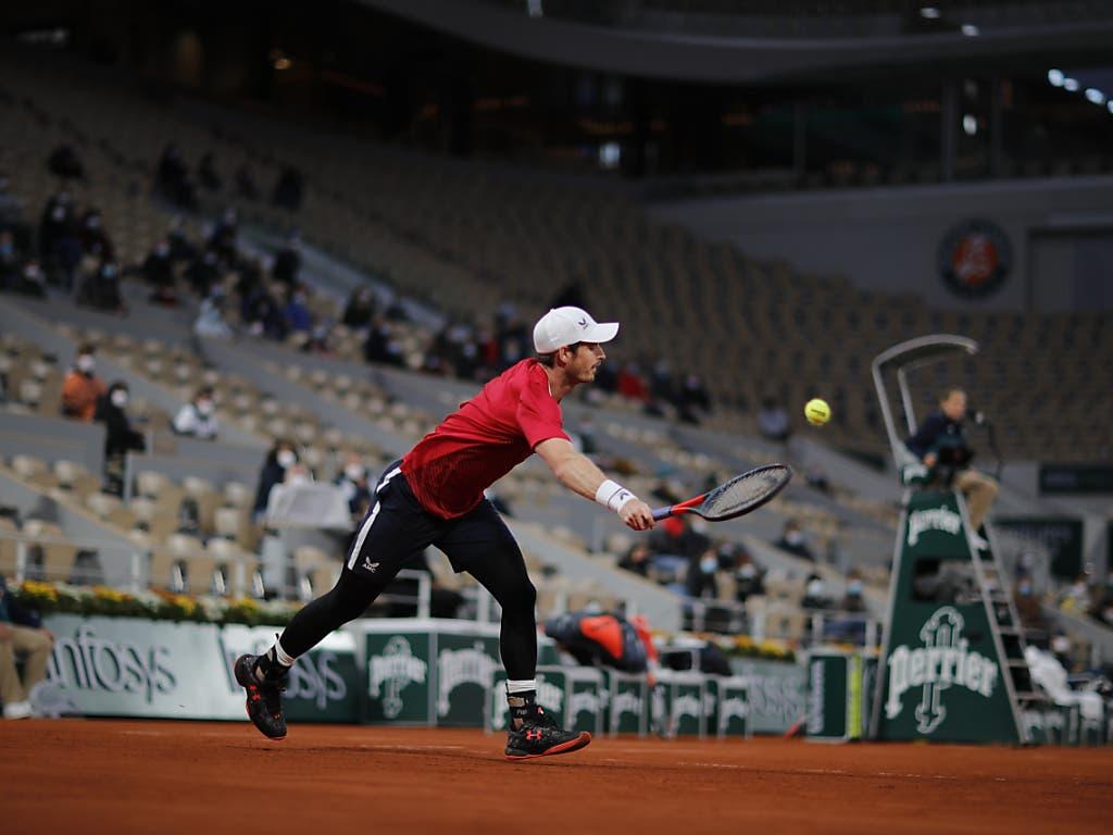 Andy Murray muss sich strecken - kein Leichtes mit der künstlichen Hüfte