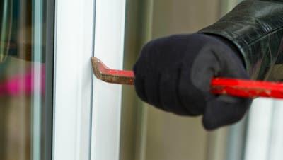 In Dietfurt wurde ein Tresor aus einem Einfamilienhaus gestohlen. (Symbolbild: Kapo SG)