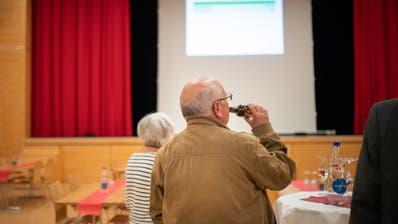 Die Ergebnisse wurden am Wahlsonntag im Fürstenlandsaal verkündet. (Benjamin Manser)