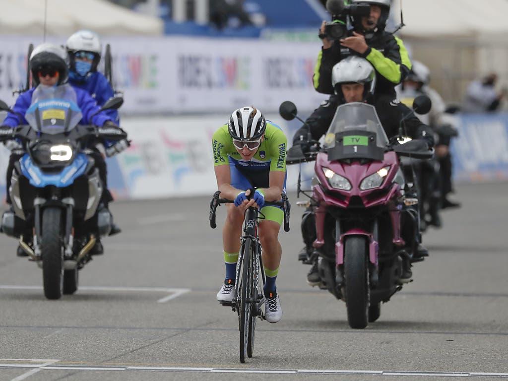 Ein Solovorstoss von Tadej Pogacar blieb unbelohnt. Der Tour-de-France-Sieger aus Slowenien wurde in der letzten von 9 Runden wieder eingeholt