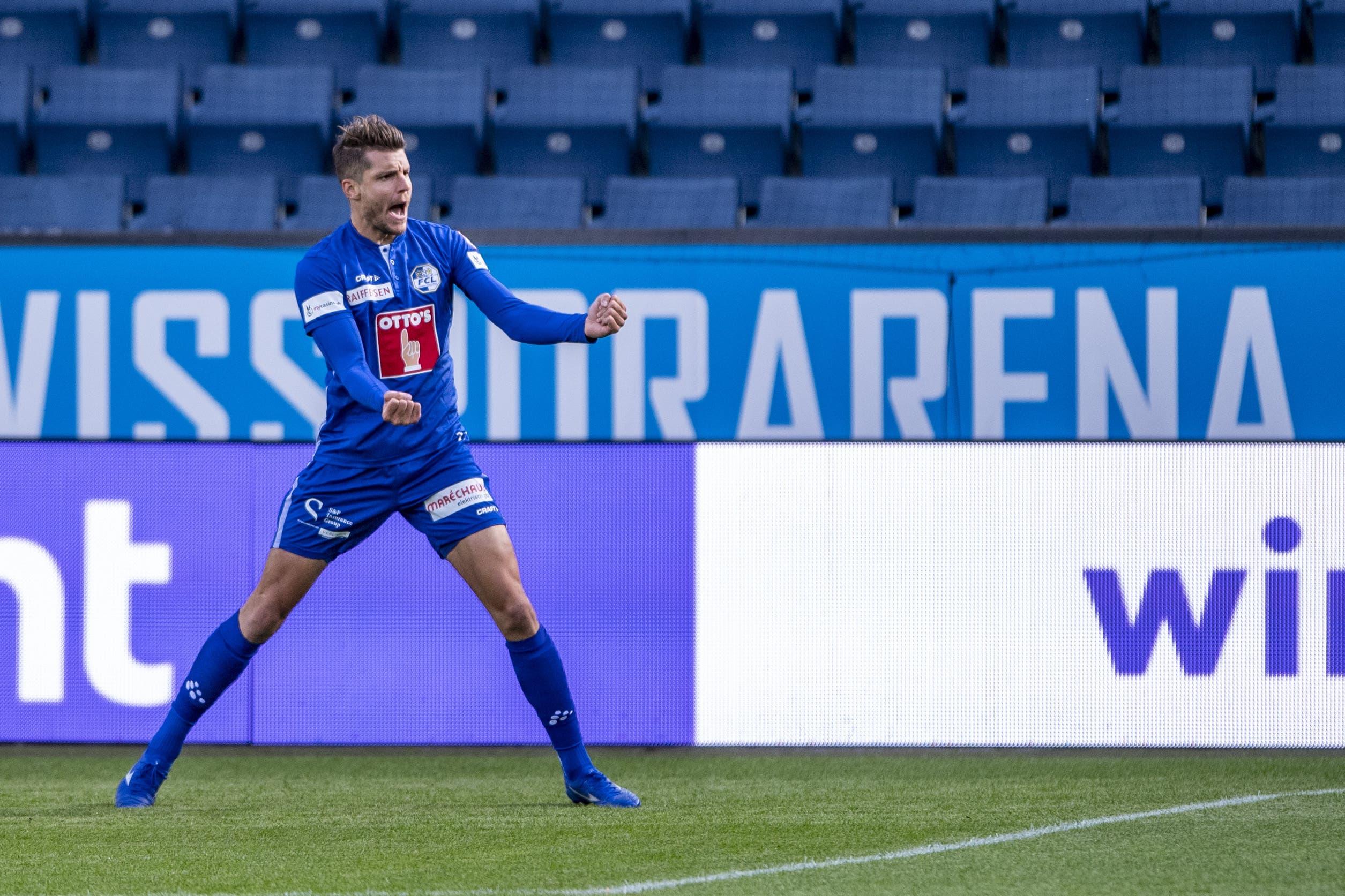 Pascal Schürpf von Luzern feiert sein Tor zum 1:0 in der ersten Spielminute.