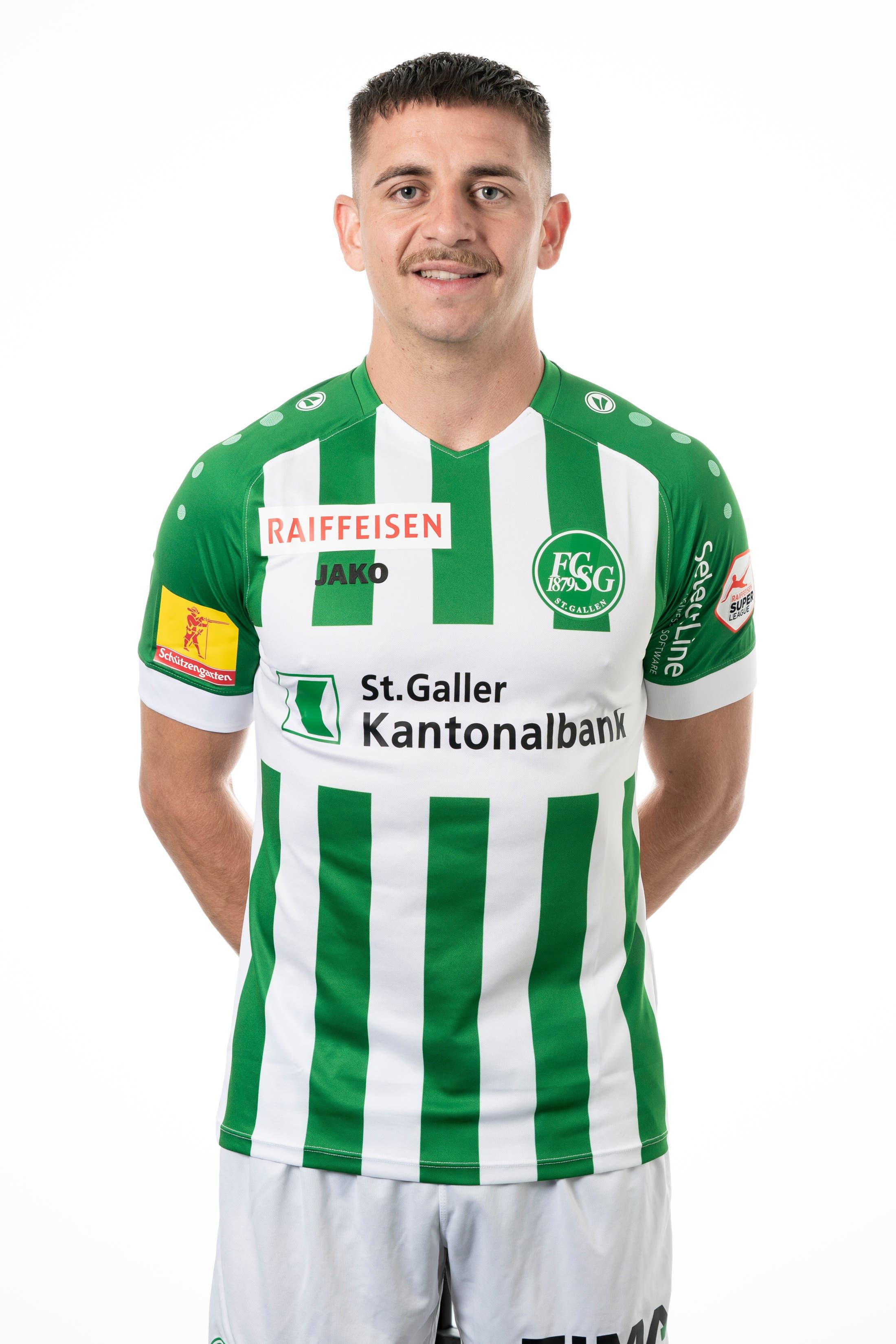 Basil Stillhart: Note 4,5. Spielt erstmals für St. Gallen als Rechtsverteidiger. Die Allzweckwaffe macht das recht gut.
