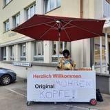 Markus Heim verkaufte in Rorschach als Schwarzer verkleidet «Mohrenköpfe» – dafür kassierte er einen Strafbefehl. (Bild: PD)
