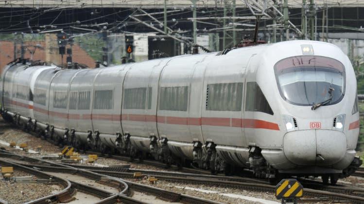 Saboteure stoppen ICE Basel-Frankfurt mit Betonschachtdeckel