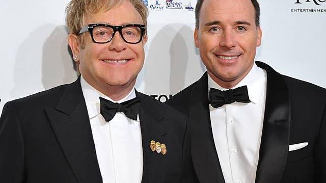 Elton John und die Gebärmaschine