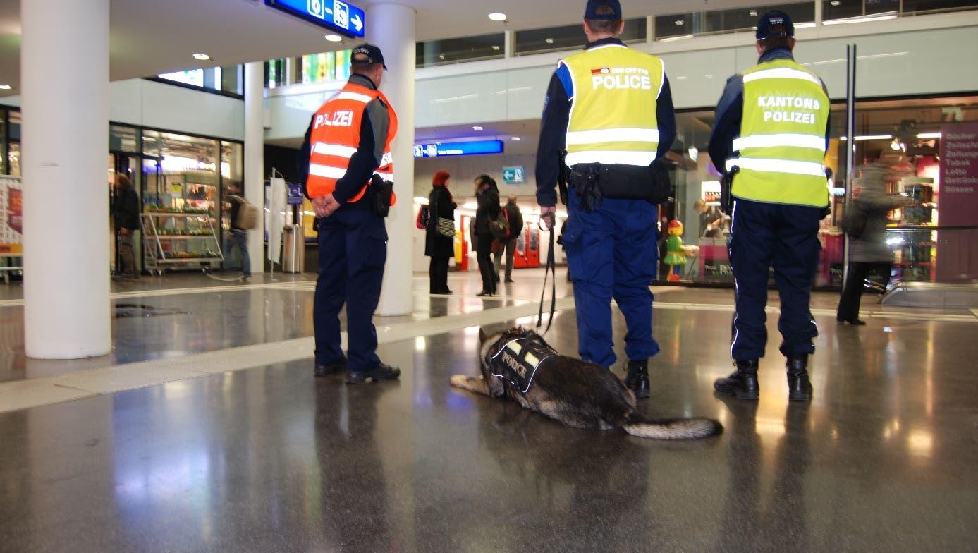 Aarauer Polizisten vertreiben Bahnhof-Dealer