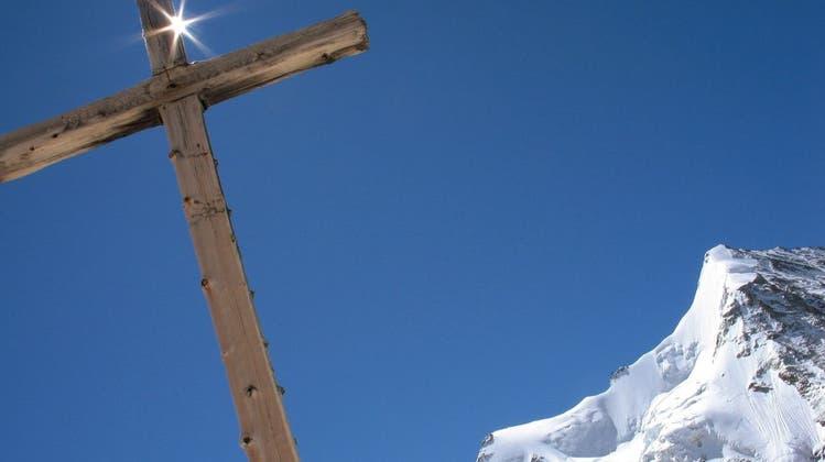 Bald keine Kreuze mehr auf Schweizer Berggipfeln?