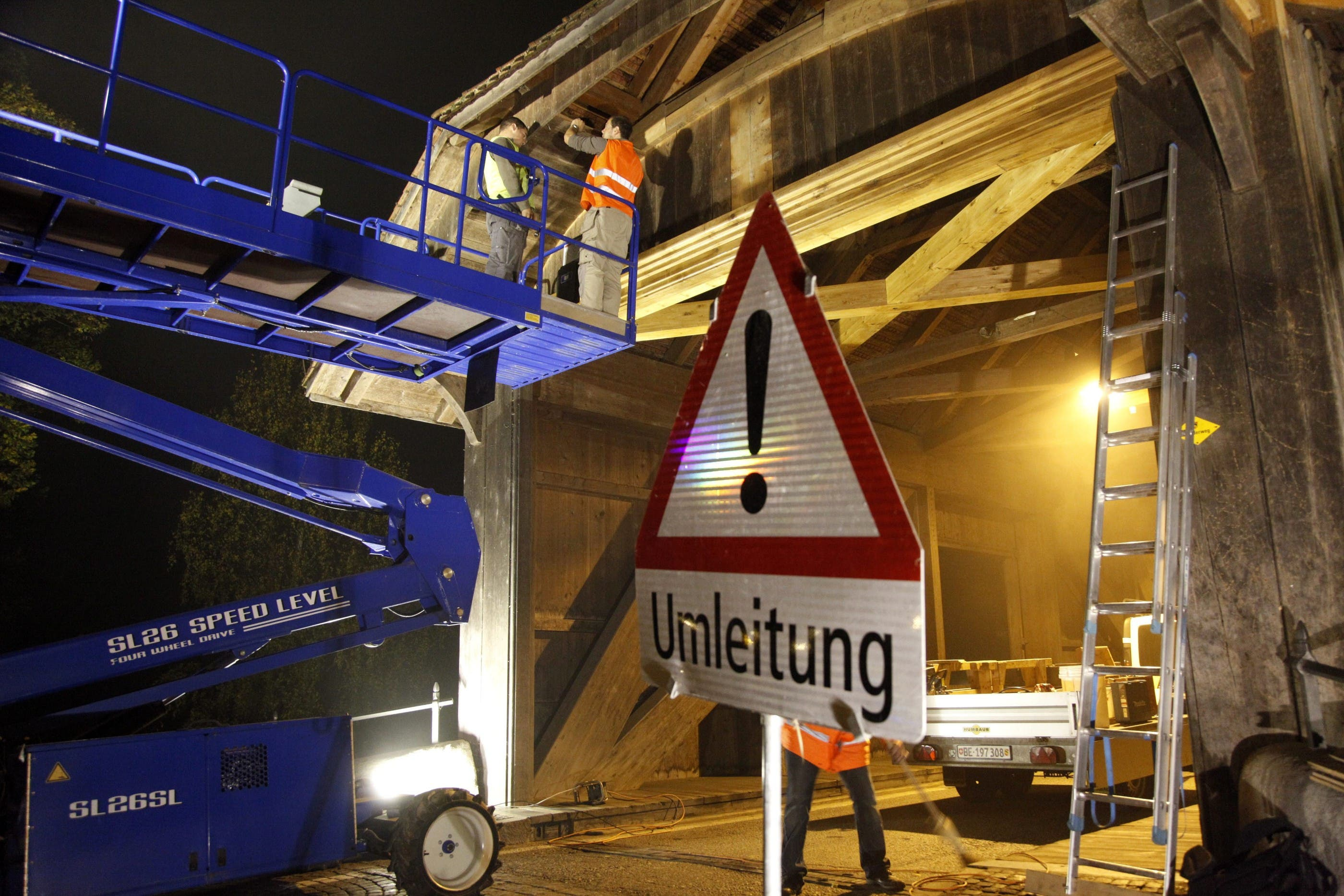 Holzbrücke in Büren ist repariert