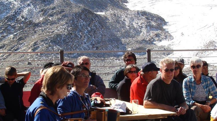 Alphornklänge für renovierte SAC-Hütte