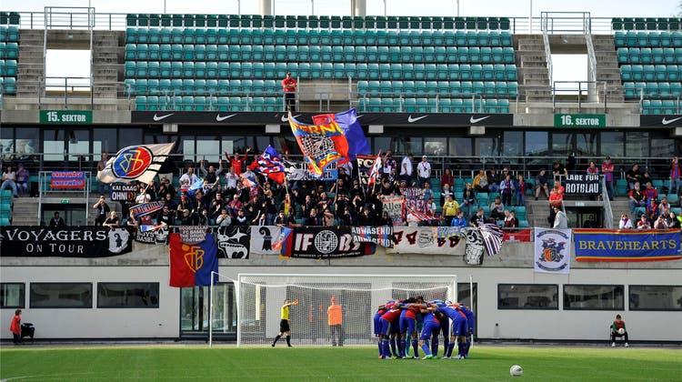Sechs Fans begleiten den FC Flora Tallinn nach Basel