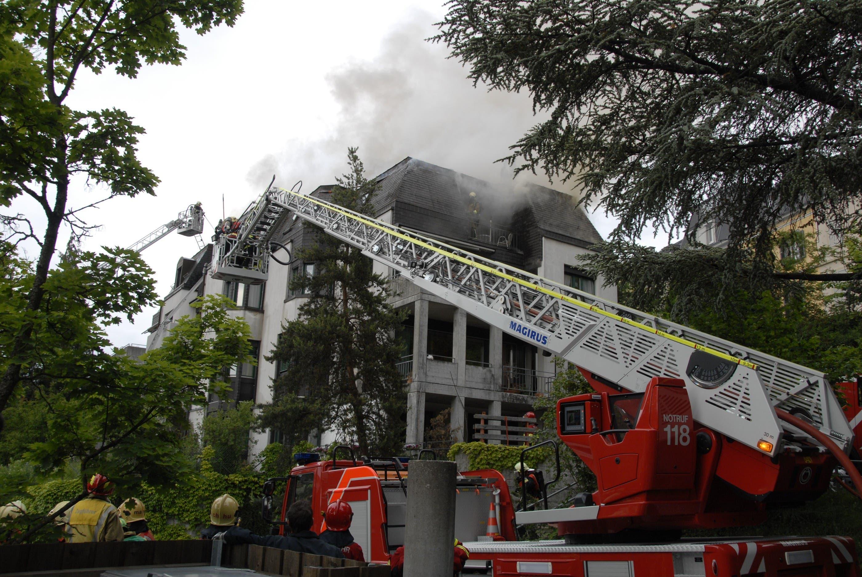 Dachstockbrand am Dalmazirain in Bern