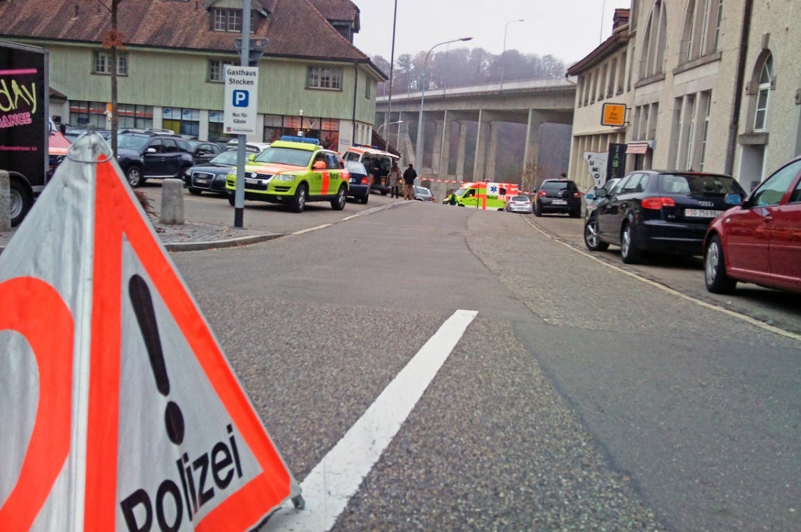 Nach dem 44-jährigen Mann aus dem Kosovo wird gefahndet, wie die Kantonspolizei St. Gallen mitteilte.