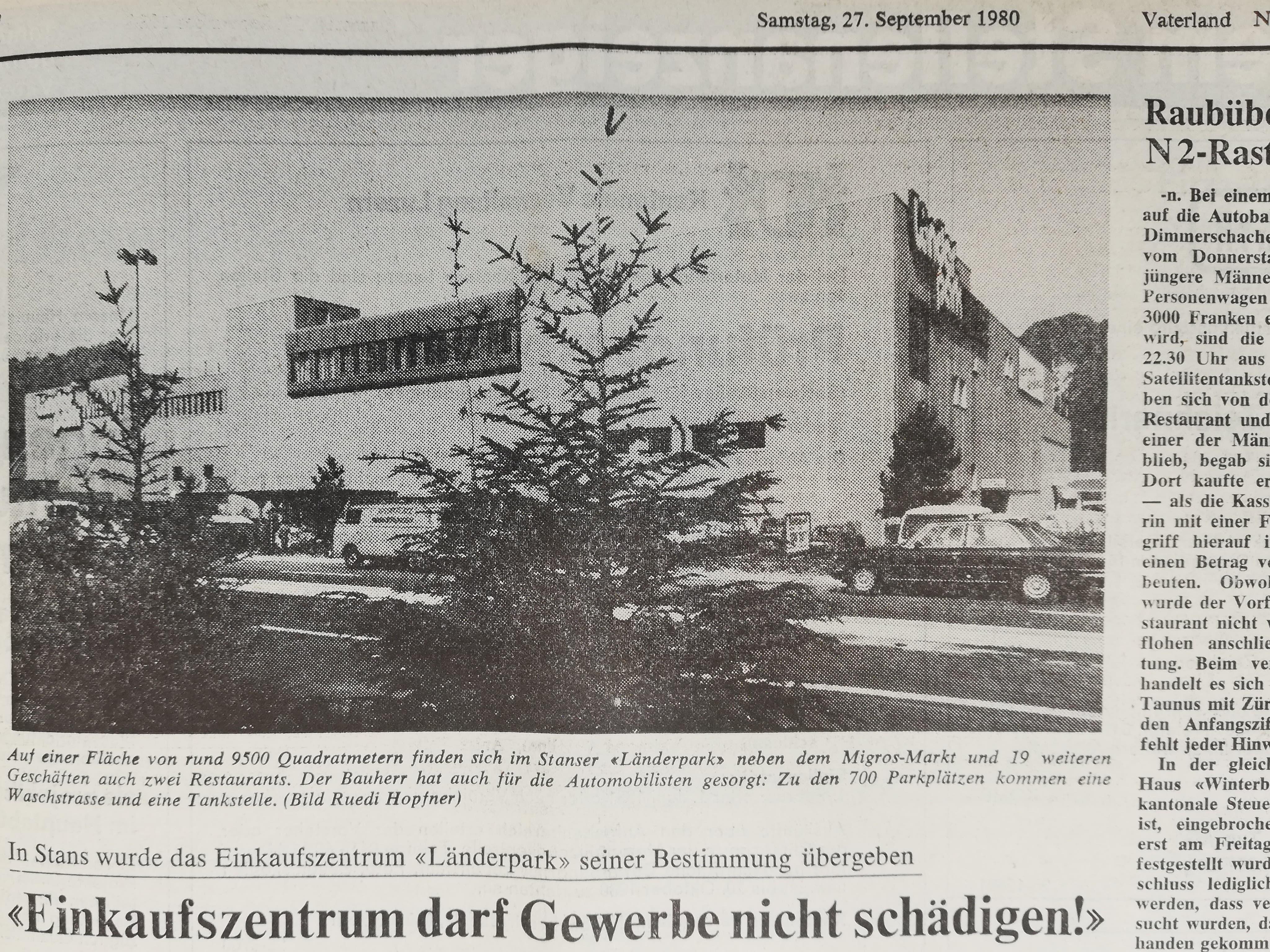 Am 26. September 1980 wurde der Länderpark eröffnet. Auch das «Vaterland» berichtete am Tag darauf über das Einkaufszentrum.