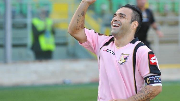 Fabrizio Miccoli erzielt aus 45 Metern das Tor seines Lebens