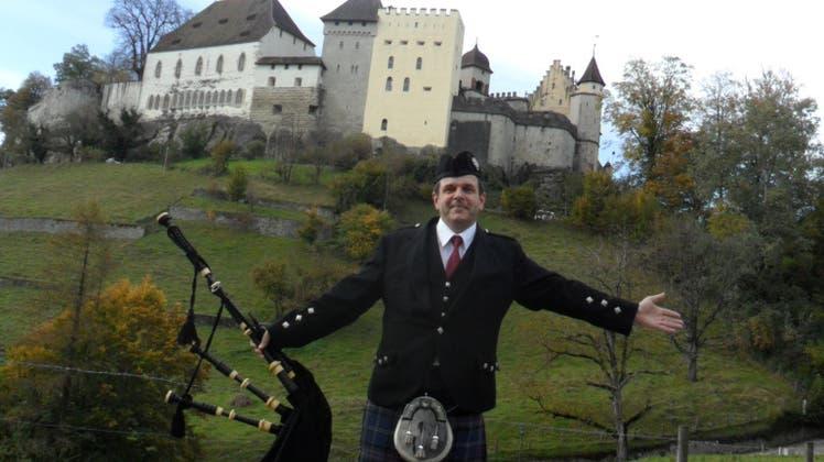 19 Schotten werden für ein Konzert in Lenzburg eingeflogen