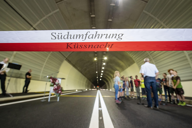 Der Tunnel Burg der Südumfahrung Küssnacht wird mit einer Feier eingeweiht.