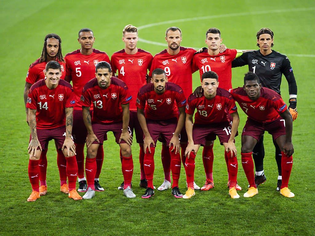 Die Schweizer Nationalmannschaft präsentierte in der Ukraine ihr neues Outfit