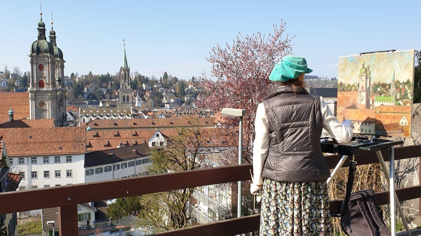 Diesen Sommer war Anna Maria Fusaro aus München mit Staffelei, Pinsel und Farben in St.Gallen unterwegs. Ab Freitag sind ihre Bilder hier ausgestellt.