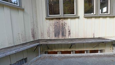 Das Wohnheim der Stiftung Sonneblick nach dem versuchten Brandanschlag. In kommenden Jahren werden dort Asylbewerber einziehen. (Bild: PD)
