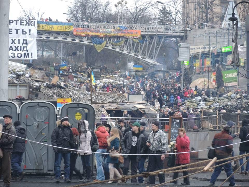 Die Barrikaden auf den Strassen stehen noch