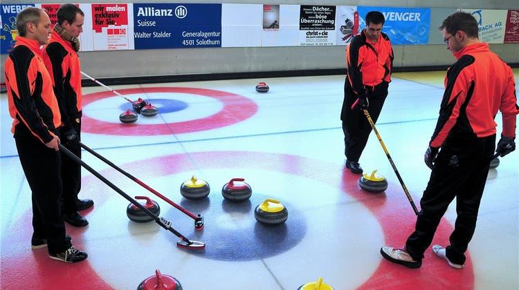 CC Ambassadoren II gewinnt das Turnier in der heimischen Curlinghalle