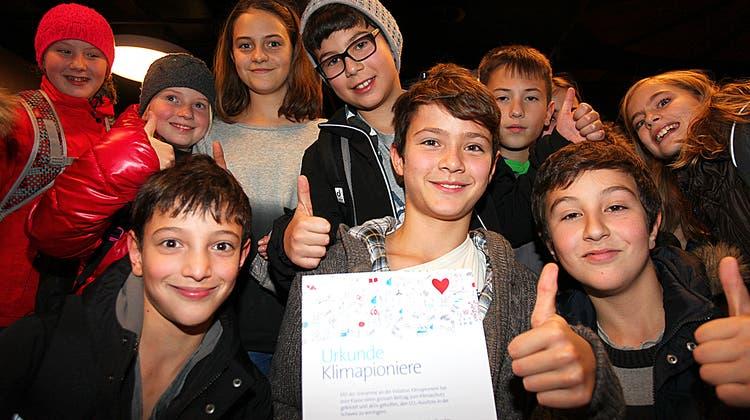 Schüler aus Dietikon und Uitikon werden als Klimapioniere ausgezeichnet