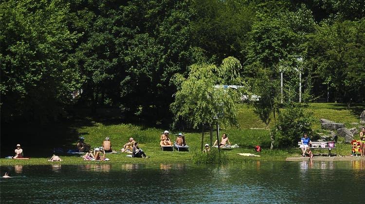 Baggerseen sind trotz Verbot beliebte Destinationen im Sommer
