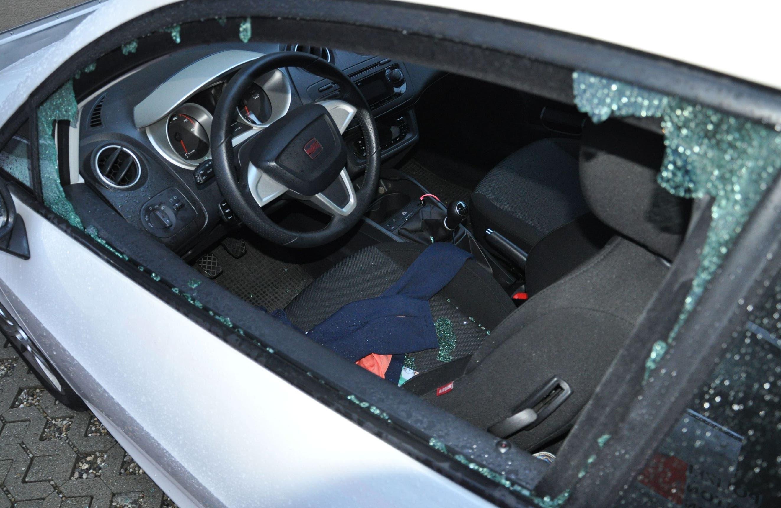 Aufgebrochene Autos in Derendingen