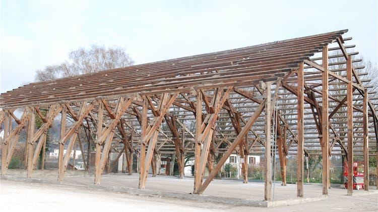 Die alte Laufenburger Stadthalle verlässt die Schweiz