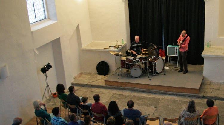 Pierre Favre: Auftritt des «singenden» Schlagzeugers in der alten Kirche
