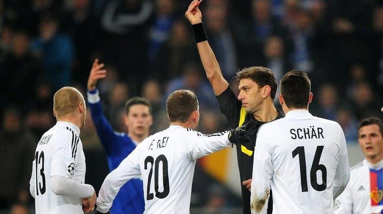 Vier Mann im Offside: Wie Schiri Tagliavento Partei für Schalke ergriff