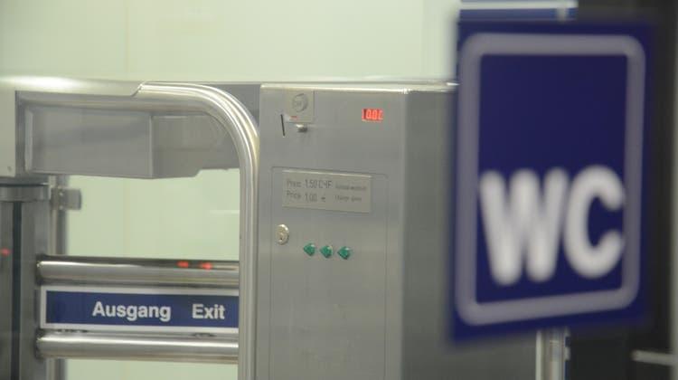 «Ich finde das skandalös»: Bahnhof-WC lässt zahlende Pendler nicht rein