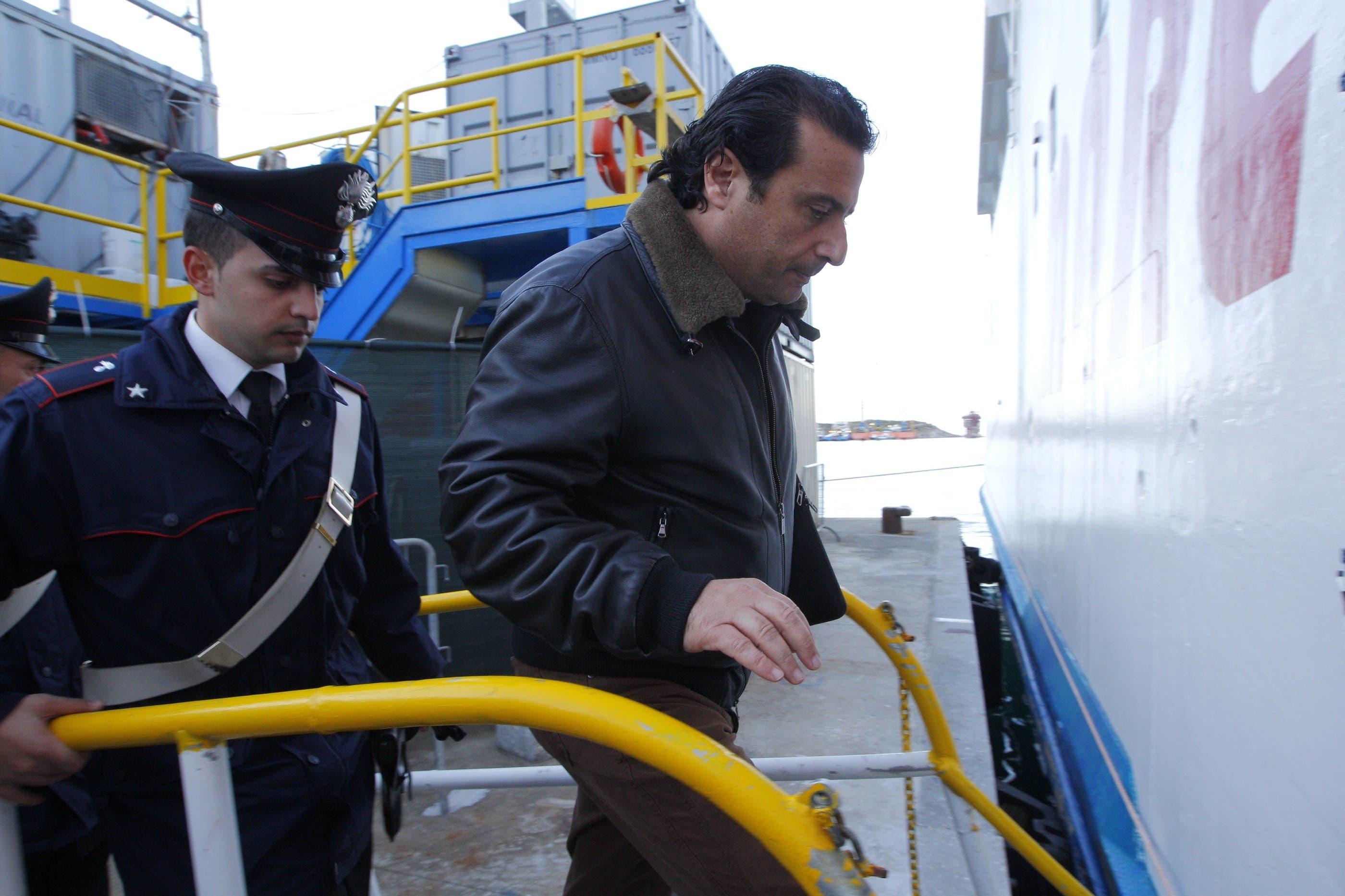 Unglückskapitän Schettino kehrt auf die Costa Concordia zurück