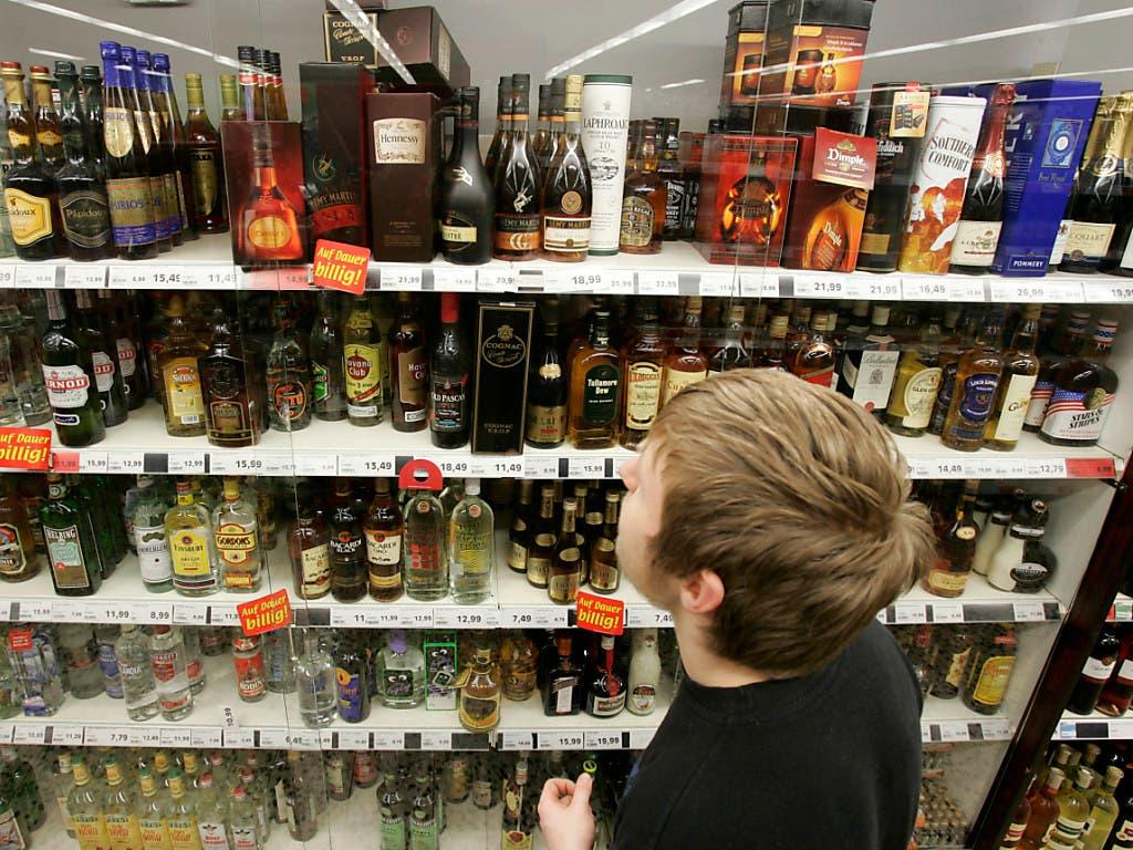 2019 gab es in der Schweiz über 6500 Alkoholtestkäufe durch Minderjährige. Jeder fünfte davon war von Erfolg gekrönt.