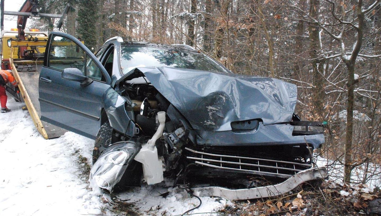 Zwei Fahrzeuge geraten in Rüttenen in einer Rechtskurve ausser Kontrolle