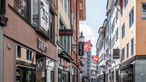 Auf Anordnung des Bundesrats wurden Mitte März temporär alle Läden und Restaurants geschlossen. (Bild: Boris Bürgisser (Luzern, 18.April 2020))