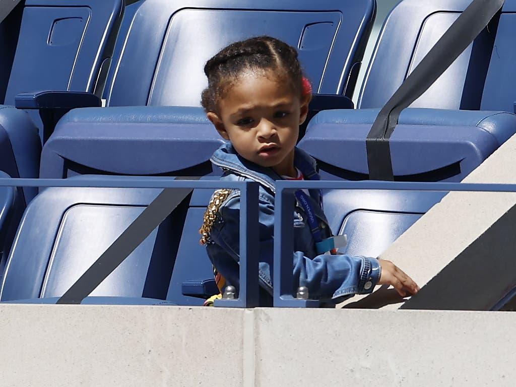 Die dreijährige Tochter Alexis Olympia war auch gegen Sloane Stephens der kleinste und doch der grösste Fan von Mutter Serena Williams