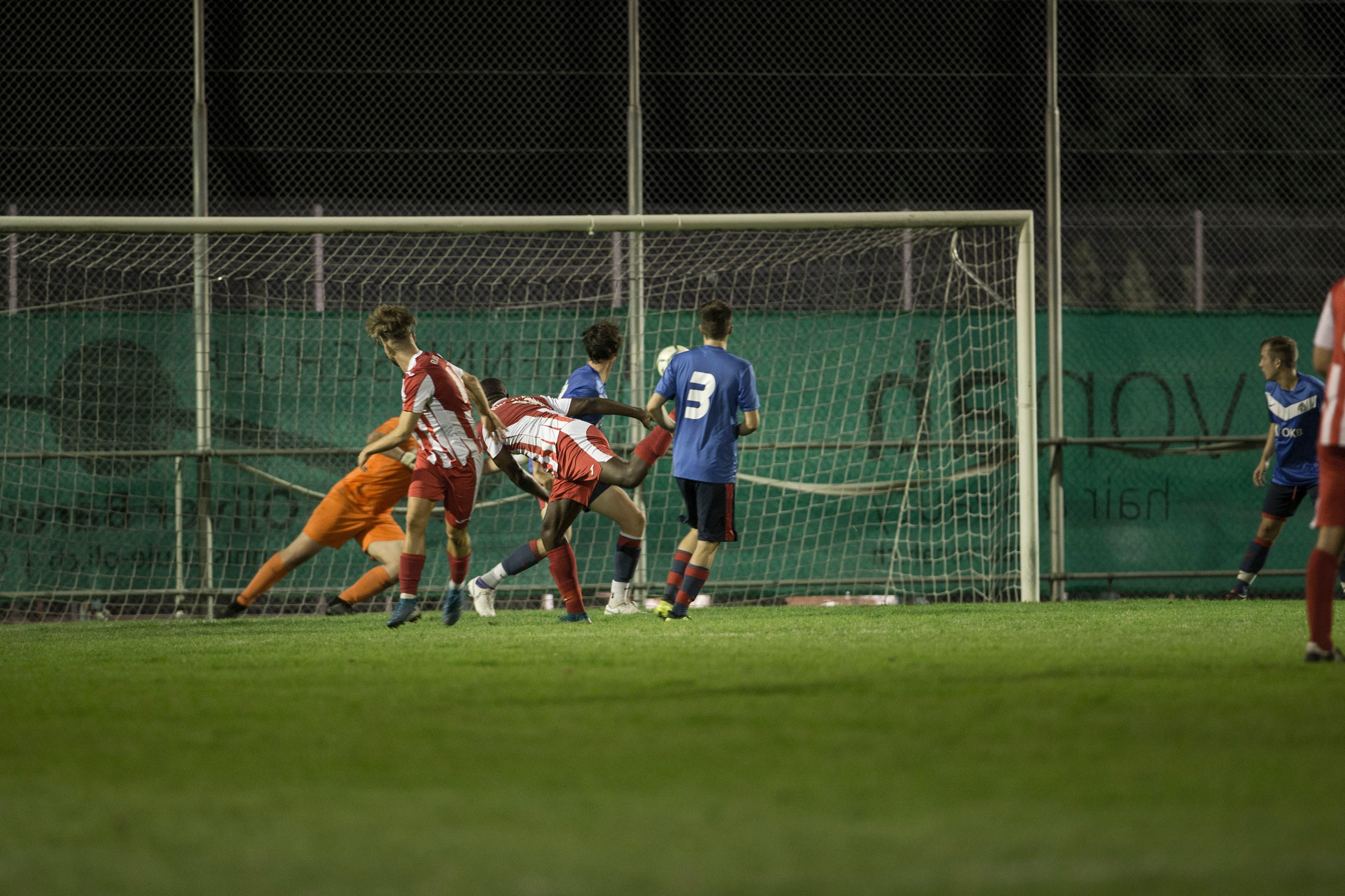 Hergiswils Fidele Fernandez erzielt das 2:0.