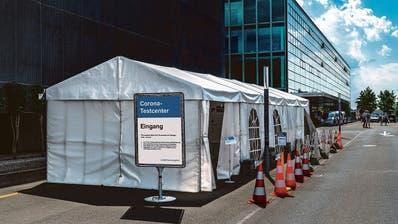 Corona-Testcenter des Zuger Kantonsspitals bleibt durchgehend offen