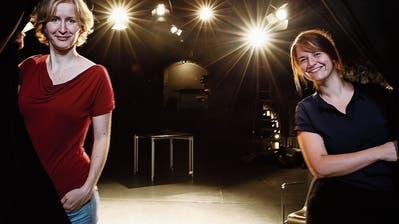 Leiten seit einem Jahr die Geschicke des Burgbachkellers: Giannina Masüger (links) und Madeleine Flury. (Bild: Stefan Kaiser (Zug, 27. August 2020))