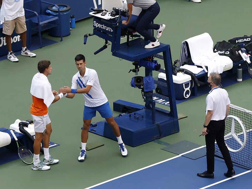 Djokovic musste Pablo Carreño Busta zum Sieg gratulieren