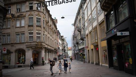 Einkaufen ist gemäss einer Umfrage ein touristisches Bedürfnis. (Bilder: Benjamin Manser (13. Juni 2020))