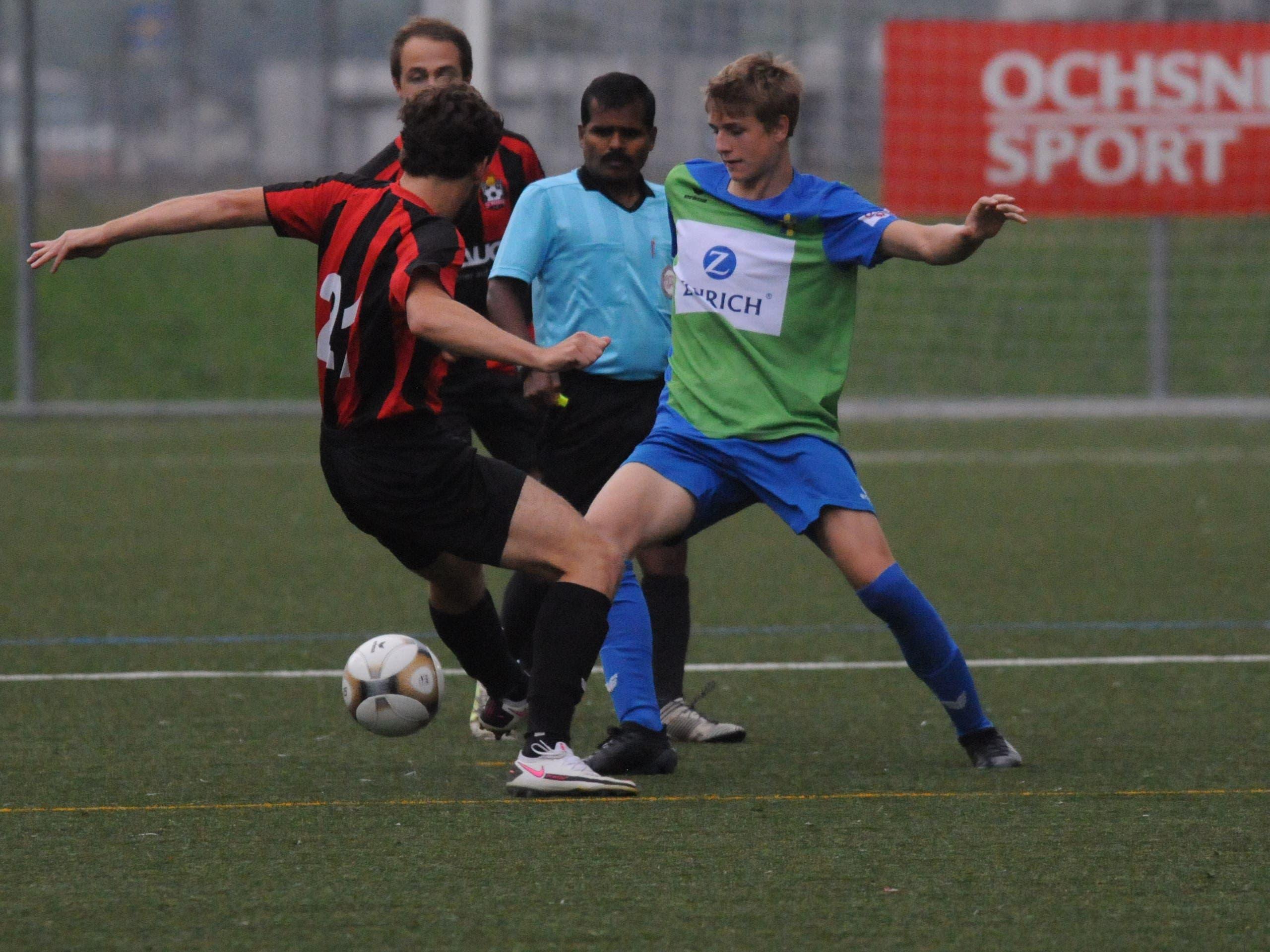 ESC-Spieler Silvan Baumann (rechts) in Aktion